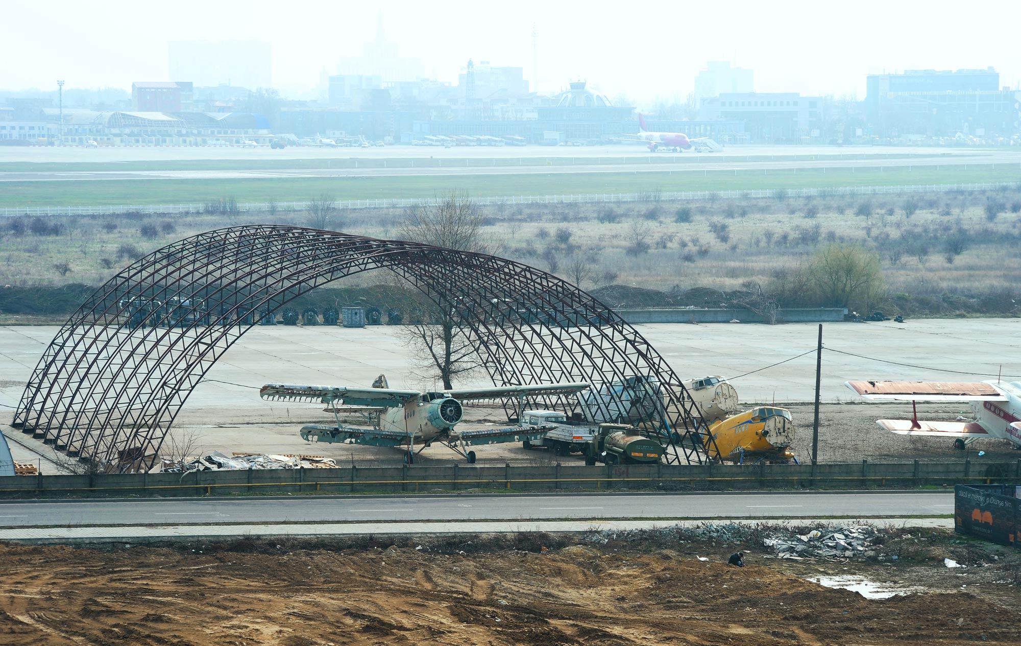 aircraft_boneyard_baneasa_romania