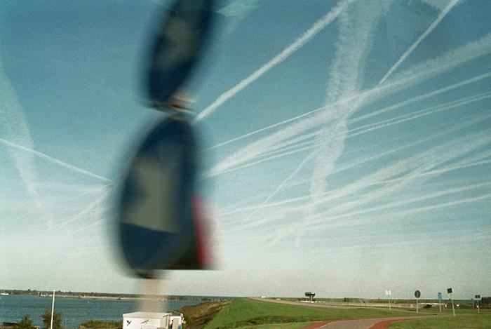 plane trails friesland